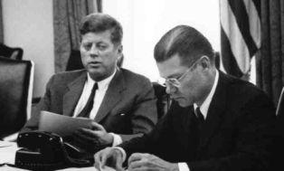 Cold war cuban missile crisis cnn essay