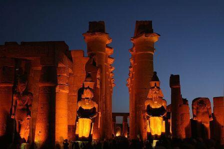 the great pyramids of giza essay