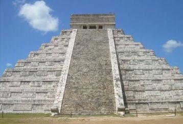 El Castillo Pyramid Of The Maya